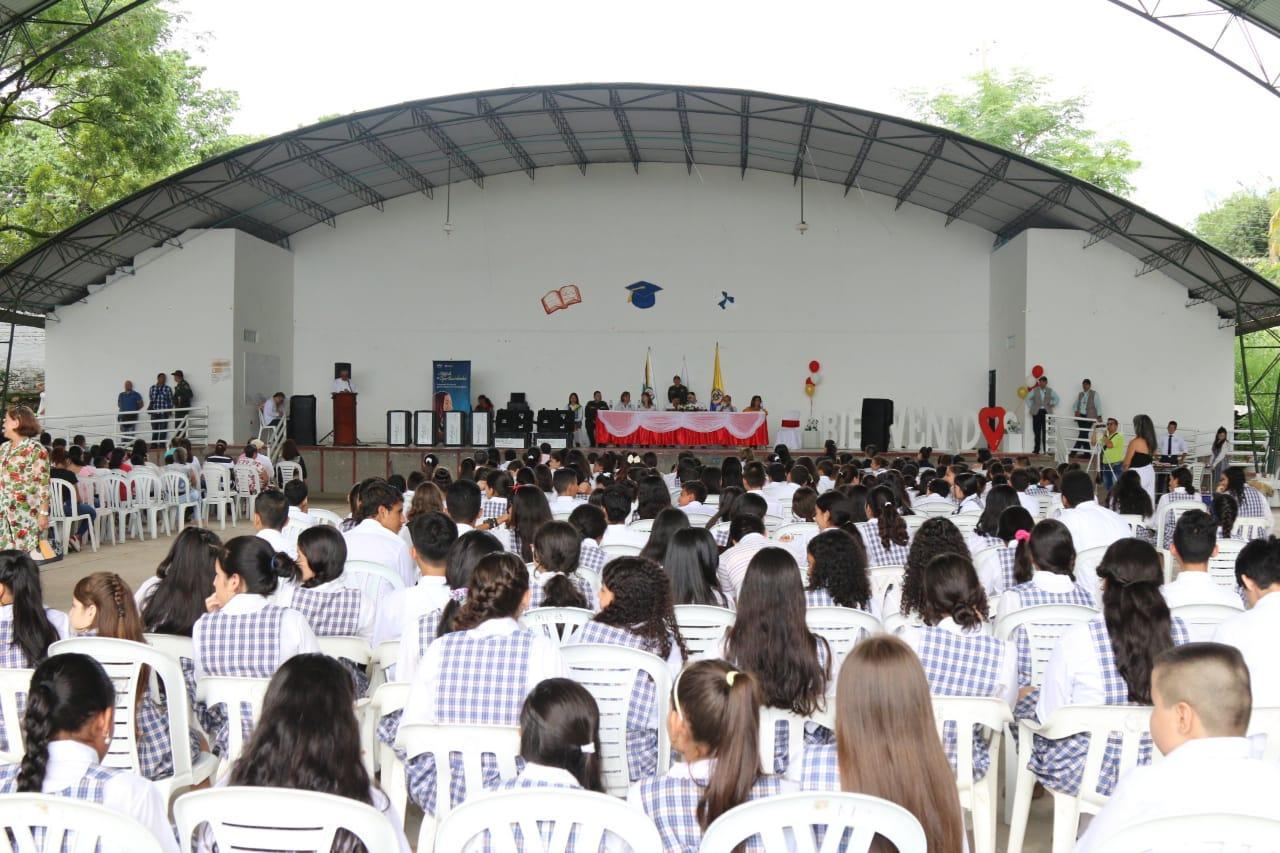 Gobernación y Fundación  Movistar entregaron equipos de cómputo a colegios