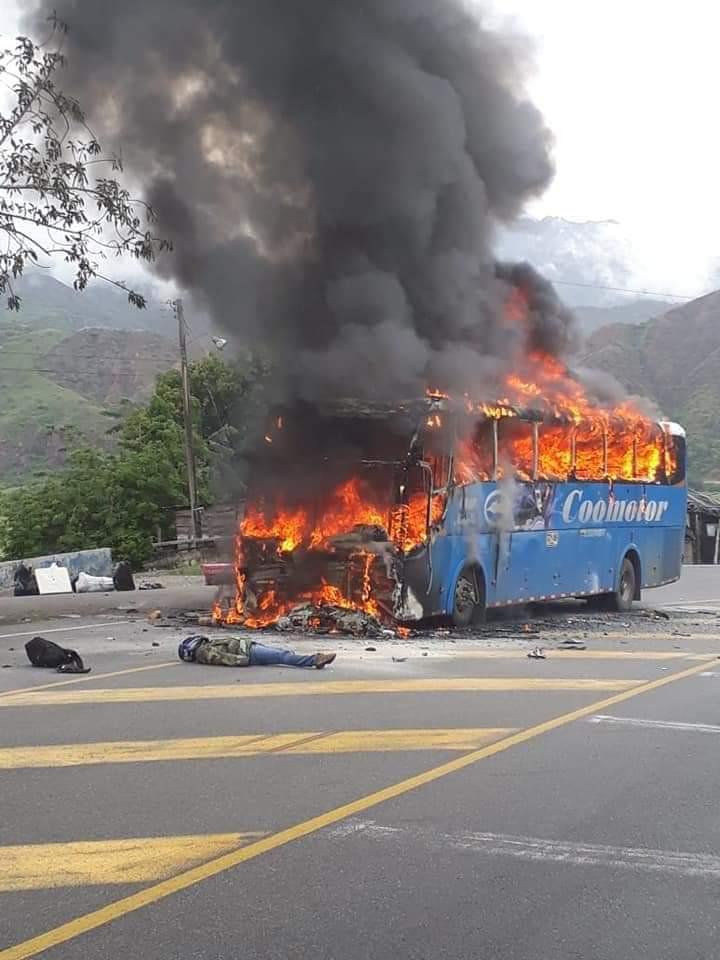 Hipótesis del accidente de tránsito que terminó en conflagración
