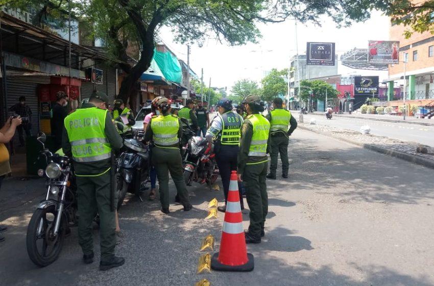 Masiva jornada de multas de tránsito por violar orden de confinamiento