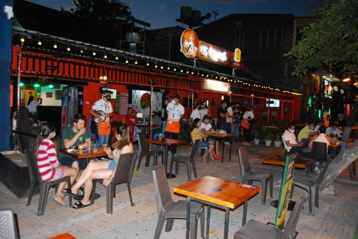 Toque de queda para menores de edad y bares hasta media noche en Neiva