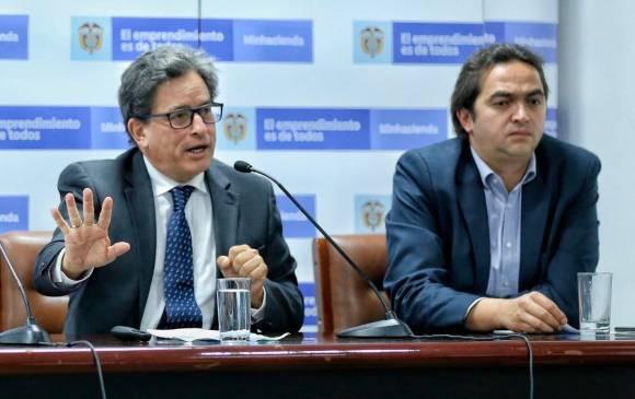 El MinHacienda, Alberto Carrasquilla, presentó su renuncia al cargo