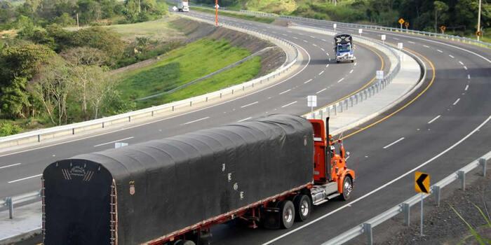 Sigue respaldando a transportadores de carga con líneas de crédito