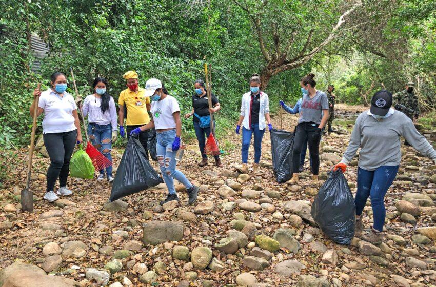 Cinco toneladas de basura fueron extraídos de la quebrada la torcaza de Neiva