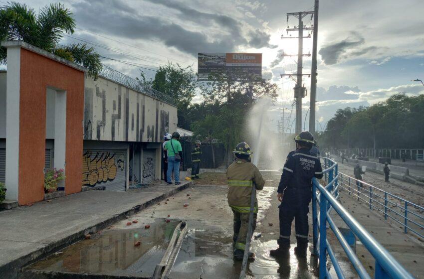 Secretaría de gestión del riesgo atendió incendio estructural frente al intercambiador de la USCO