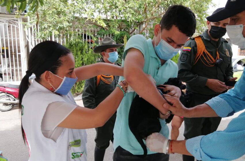 Vacunación para caninos y felinos llega a las comunas uno y seis de Neiva