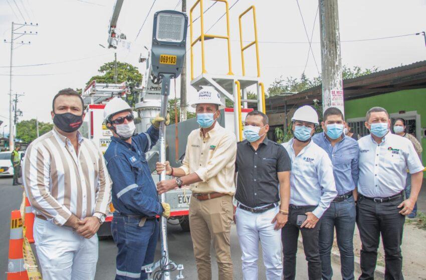 Mayor seguridad ciudadana y menor carga contaminante, los beneficios de las nuevas luminarias que estrena Neiva
